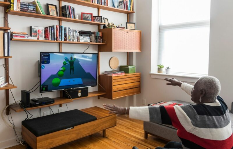 Bruyère patient uses virtual reality in her home