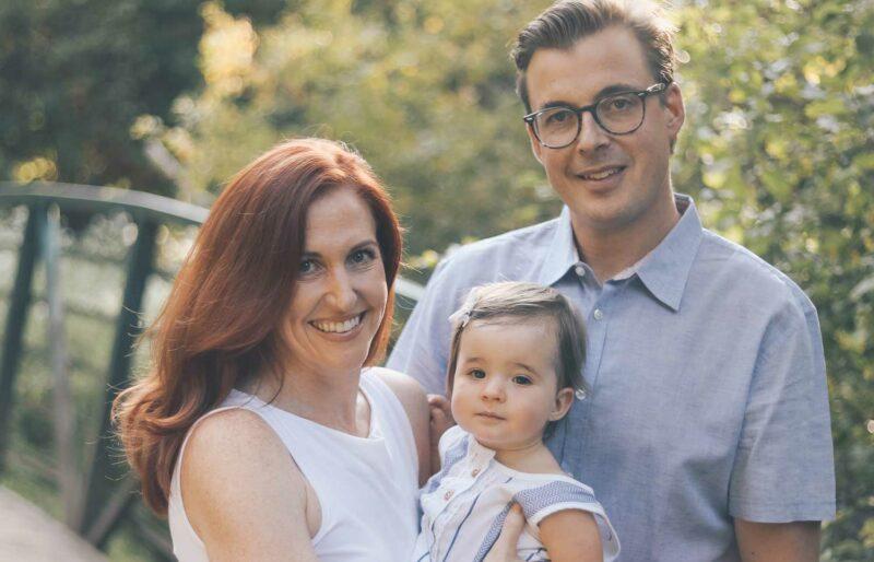 Caitlin Nagy avec son mari et sa jeune fille