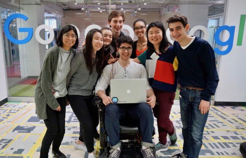 Des étudiants de l'Université McGill ont mis au point, en 30 jours, un fauteuil roulant intelligent.